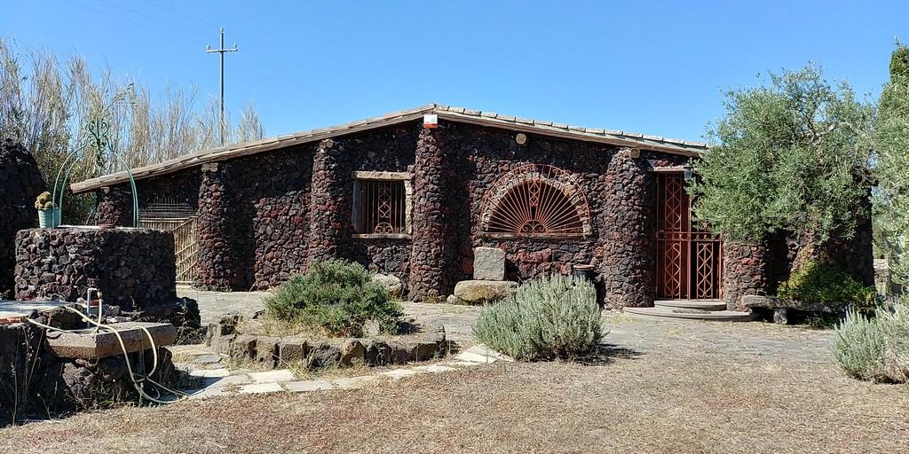 Villa 160mq, con 6300mq di terreno a 1,5 km dal mare Sorso