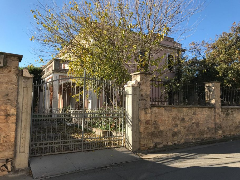 Splendida villa nel borgo autentico di Sardara
