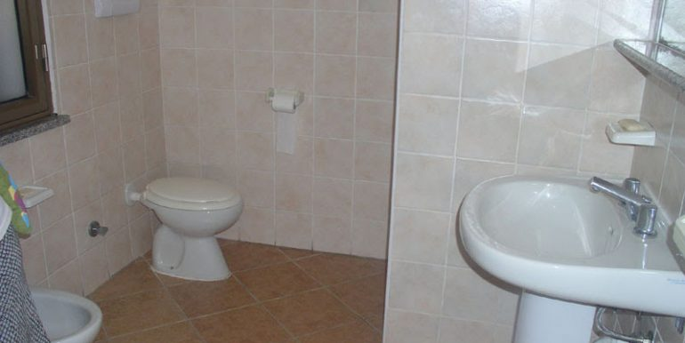 bagno casa campagna fronte (12)