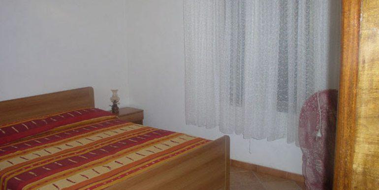 camera letto 1casa campagna fronte (7)