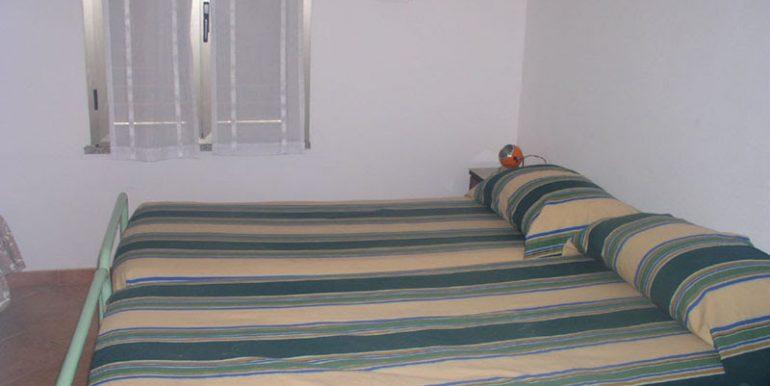 camera letto 2 casa campagna fronte (9)