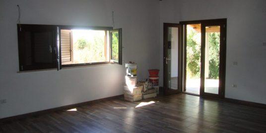 casa di abitazione di tipo rurale con terreno di 5.500 mq