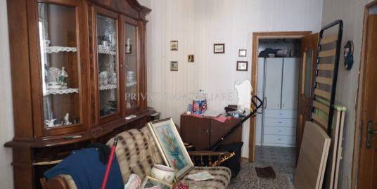 Casa su 3 livelli centro storico Sennori